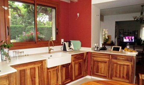 Spécialiste pour refaire ses portes de cuisines sur mesure à Domène